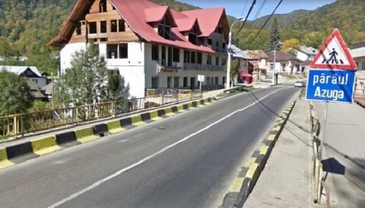 Restricţii de circulaţie la Azuga.  Va incepe construirea unui pod peste pârâul din localitate