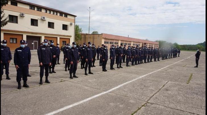 La Scoala de Pompieri din Boldesti a avut loc astazi festivitatea de deschidere a noului an de învăţământ