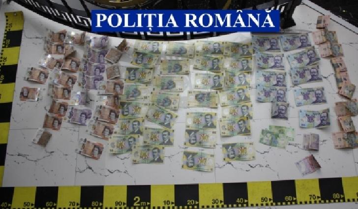 IPJ Prahova a efectuat percheziţii domiciliare in Dâmboviţa şi Prahova ,la domiciliul unor  persoane bănuite de săvârşirea infracţiunii de proxenetism şi prostitutie
