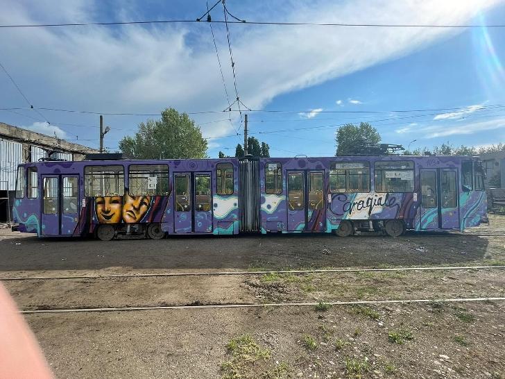 Tramvaiele din Ploieşti vor fi desenate personalizat