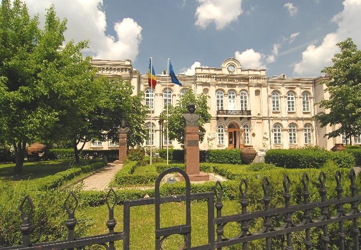 """Ateliere interactive - """"Joc şi jocuri la muzeu"""" la Muzeul Judeţean de Istorie şi Arheologie Prahova din Ploieşti"""