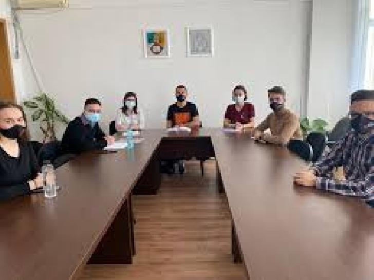 Consiliul Judeţean al Elevilor Prahova consultă elevii şi profesorii cu privire la modul de implementare al prevederilor Statutului Elevului