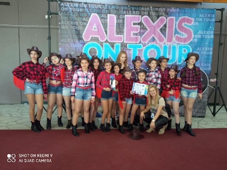 """EXCLUSIV. Şcolile de dans HAPPY DANCE şi DYA FUN au câştigat premii importante la Concursul Naţional de dans """"Alexis on Tour"""" 2021 Ploiesti"""