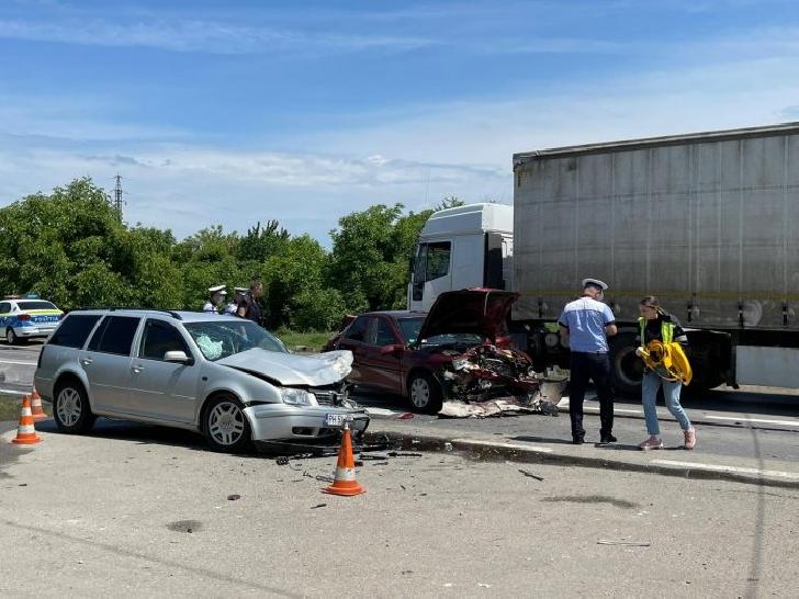 Accident grav în Blejoi. 6 persoane au ajuns la spital
