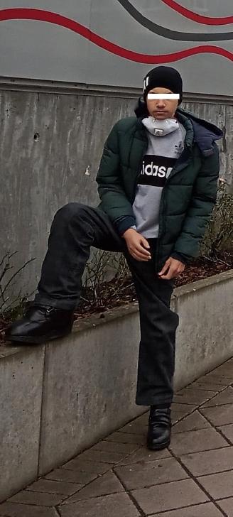 """Visul lui este să joace fotbal. Dennis Andrei, un tânăr de 16 ani din Prahova are nevoie de AJUTORUL nostru. Este diagnosticat cu Sindrom Klippel – Trenaunaym ("""" picior de elefant"""")"""