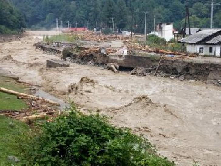 Alunecare de teren în Proviţa de Sus. Nu s-a impus evacuarea locuitorilor