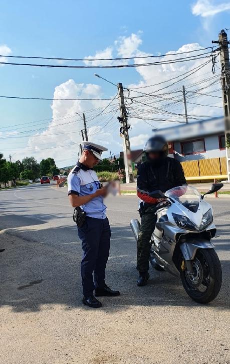 Peste 500  sancţiuni contravenţionale au fost aplicate de politistii prahoveni in urma unei razii rutiere