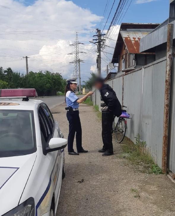 Poliţiştii prahoveni au aplicat peste 70 sancţiuni contravenţionale la o acţiune rutieră