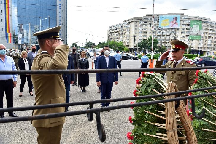 Reprezentanţii Consiliului Judeţean Prahova au adus un omagiu EROILOR NEAMULUI