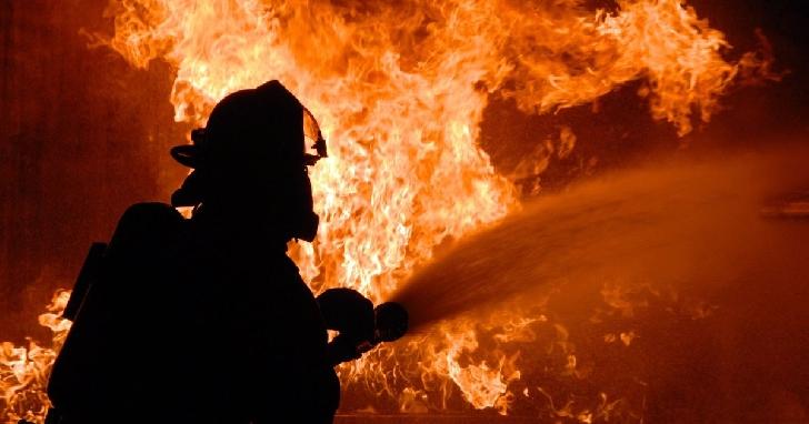 Incendiu la anexa unui restaurant din Parcul Bucov