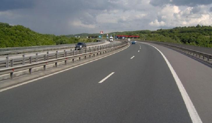 A fost semnat contractul  pentru realizarea drumului expres Găeşti-Ploieşti