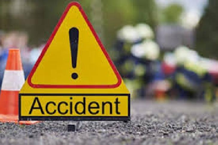 Accident pe DN 1D, la intersecţia Fulga-Baraitaru. 2 minori au fost răniţi