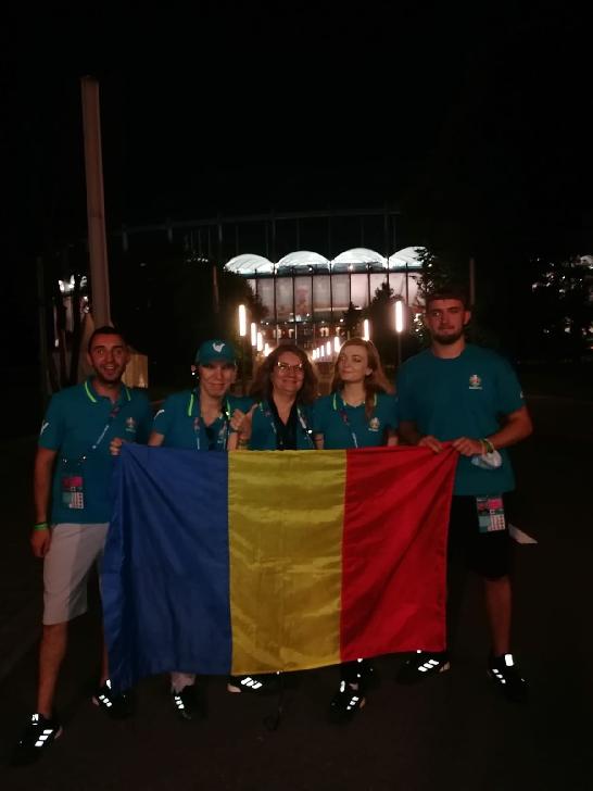 """Un suporter al lupilor galbeni a fost"""" team leader"""" al unui grup de voluntari, la Euro 2020 (Arena Naţională Bucureşti)"""