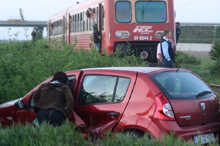 Accident feroviar în Vărbilău, între un tren TFC şi un autoturism