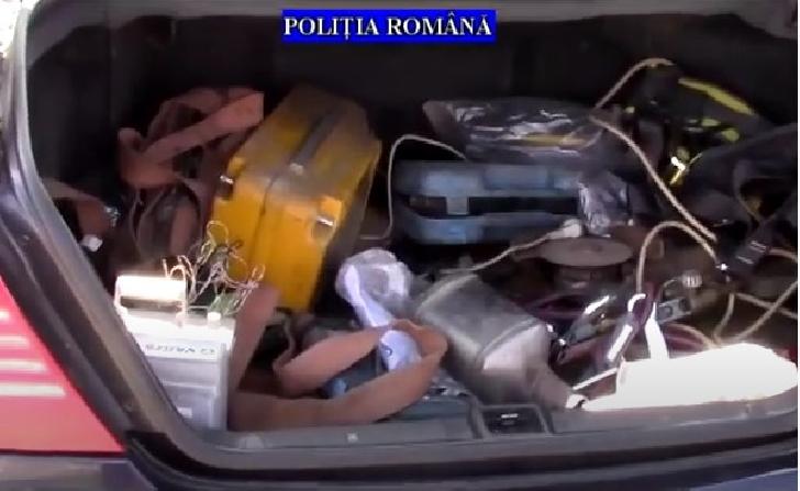 Percheziţii la persoane bănuite că au furat catalizatoare auto (video)
