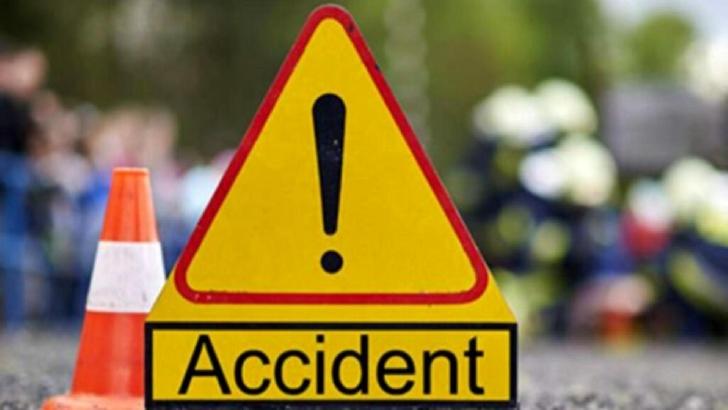 Accident rutier la Azuga. Un autoturism s-a răsturnat într-o râpă