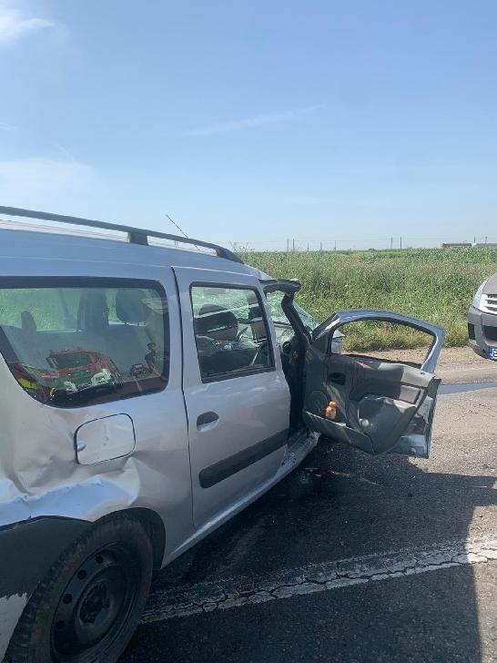 Accident rutier grav, intre Săhăteni şi Ţinteşti. Un bărbat a fost încarcerat