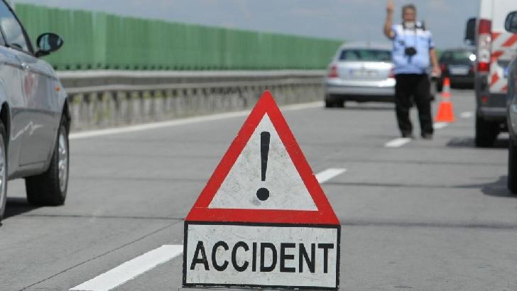 Accident rutier în Băicoi. Doi şoferi au fost răniţi