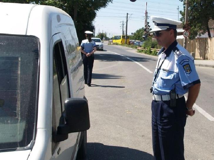 Acţiune a poliţiştilor prahoveni cu reprezentanţii RAR.Valoarea totală a sancţiunilor a fost de aproximativ 13.000 de lei