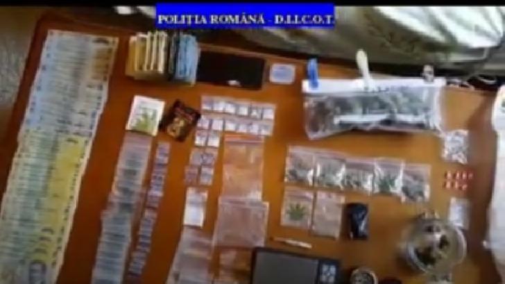 11 percheziţii domiciliare, în Prahova şi Braşov, la persoane bănuite de trafic de droguri de risc şi mare risc