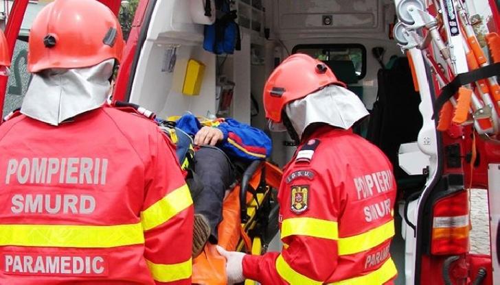Accident rutier in Varbilau. O autoutilitară a intrat intr-un copac