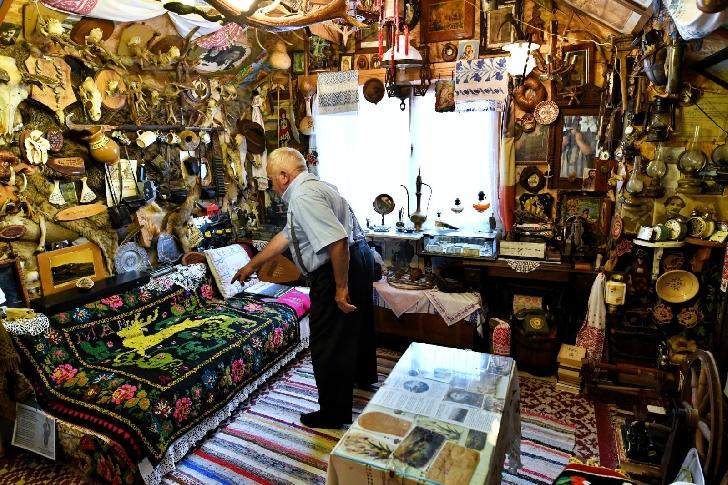 Un prahovean detine obiecte de peste un secol. Constantin Clinci, de la Valea Doftanei