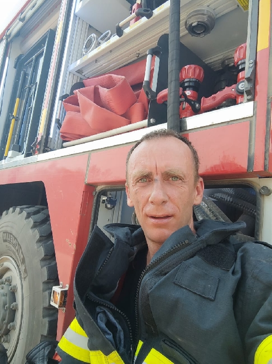 Imagini cu cei zece pompieri prahoveni care actioneaza in Grecia. Foto-video