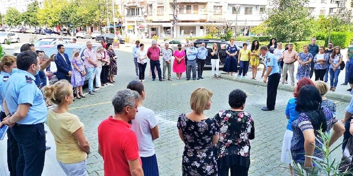 Alarmă de incendiu la Palatul Administrativ  din Ploieşti. Exercitiu de evacuare