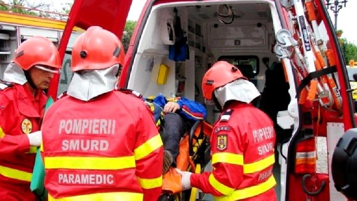 Accident rutier pe strada Mărăşeşti. Un autoturism a intrat în coliziune cu un motociclist