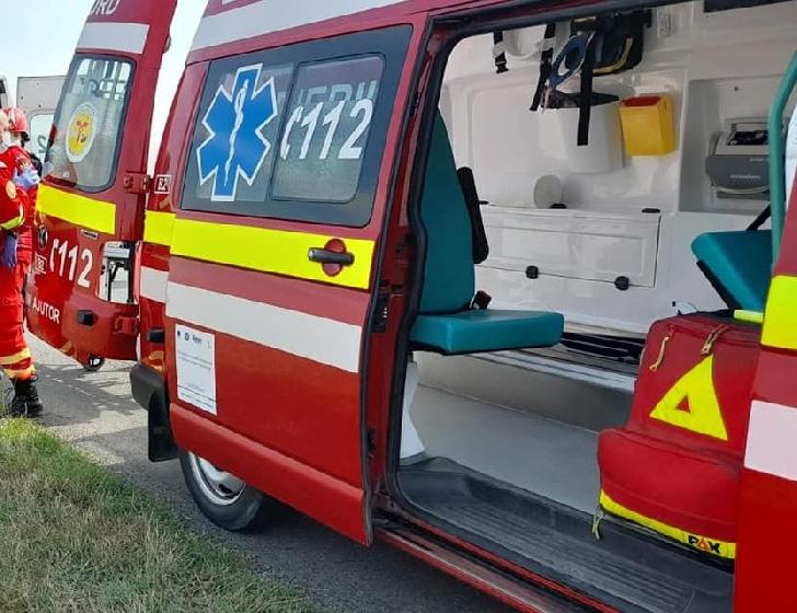 Accident rutier in Sinaia. Un autoturism s-a oprit în apropierea albiei râului Prahova