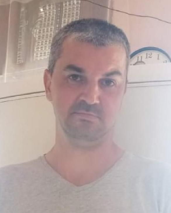 L-AŢI VĂZUT? Un barbat din comuna Scorţeni este dat disparut