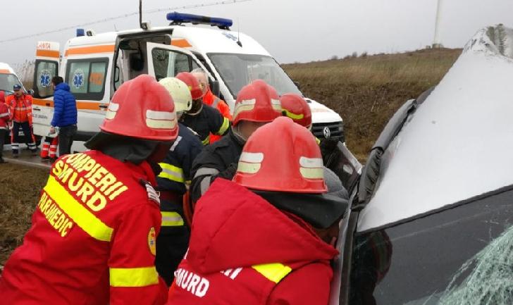 Accident rutier pe DN 72 în Ariceştii Rahtivani, între un autoturism şi un TIR