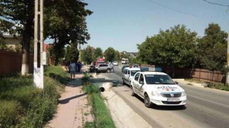 Accident rutier la Ciorani. Un autoturism a intrat într-un cap de pod