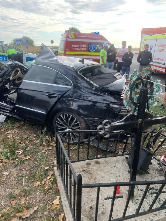 Accident rutier grav în intersecţia Fulga cu Drăgăneşti, între un TIR şi un autoturism. Un şofer a ajuns la spital