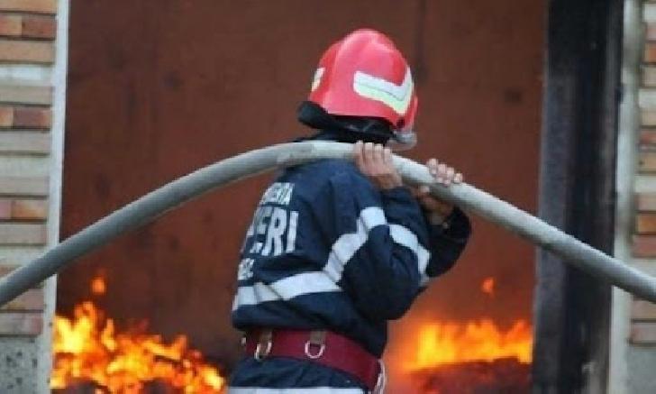 Incendiu la o casă particulară din Ariceştii Rahtivani. Nu au existat victime