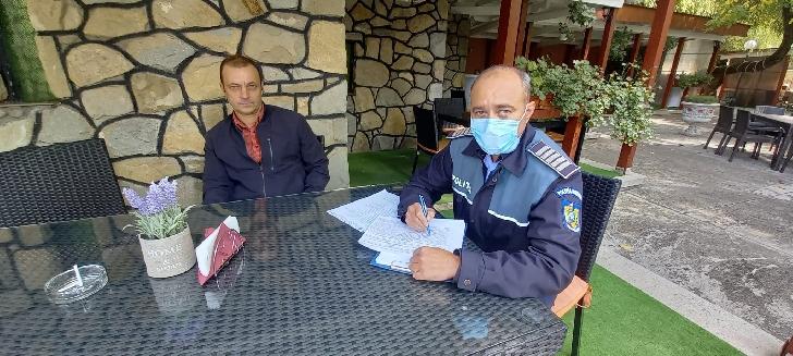 Poliţiştii din cadrul Poliţiei Municipiului Câmpina au desfăşurat azi,  o acţiune în sistem integrat, având în vedere noile prevederi legale incidente prevenirii răspândirii COVID 19
