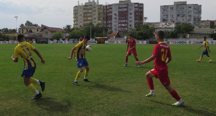 Juniorii lupilor galbeni au reusit doua victorii cu Petrosport Ploiesti
