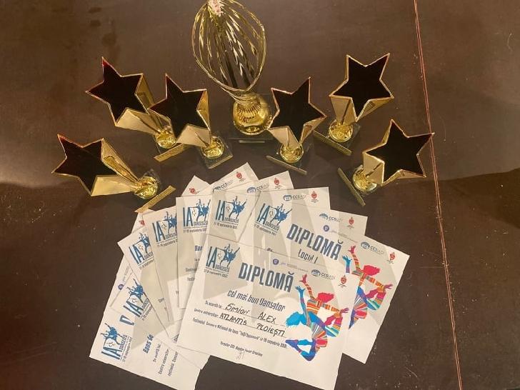 """Formaţia """"ATLANTIS"""" a Casei de Cultură a Studenţilor Ploieşti a câştigat 7 premii la Festivalul Naţional de Dans """"IaŞi Dansează"""""""