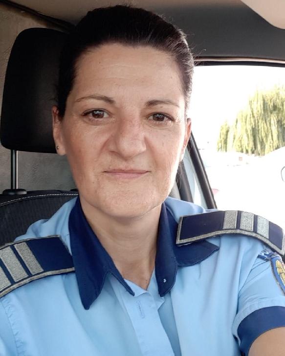 HAI SĂ O AJUTĂM. O politistă din Prahova care îşi creşte singură copilul, are un diagnostic crunt
