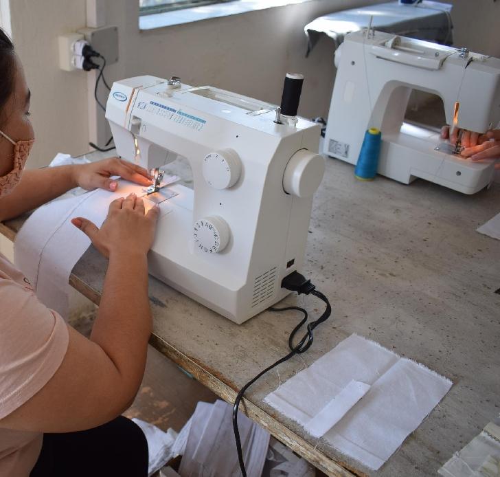 """Penitenciarul de Femei Ploieşti – Târgşorul Nou, în colaborare cu Agenţia Judeţeană pentru Ocuparea Forţei de Muncă, a organizat examenul de absolvire al cursului de calificare profesională """"Confecţioner articole textile"""""""
