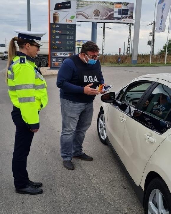 """Campanie """"M.A.I. etic, M.A.I. integru"""" Prahova.""""Săptămâna acţiunilor de prevenire a corupţiei în domeniul poliţiei rutiere"""""""