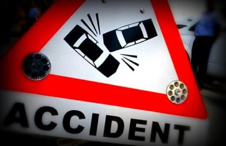 Accident rutier pe strada Cameliei din Ploieşti. O femeie care se afla în traversarea părţii carosabile a fost accidentată de un autoturism