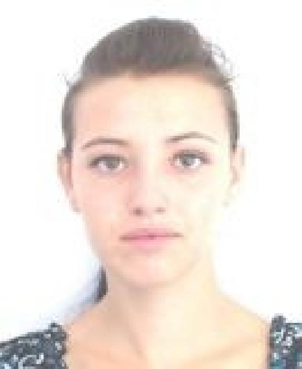 AŢI VĂZUT-O? O tânără din Ploieşti este dată dispărută. Dacă o vedeţi sunaţi la Poliţie