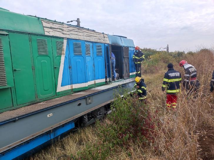 Incendiu la locomotiva unui tren de marfă (încărcat cu pirită) la ieşirea din combinatul Valea Călugărească